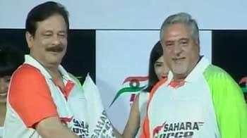 Video : IPL adversaries turn F1 friends