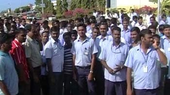 Video : Kudankulam N-plant protests: Contract workers leave, employees confined to homes