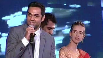 Video : NDTV Indian of the Year award 2011 (Part III)