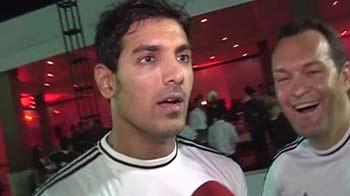 Video : John Abraham vs NDTV in football