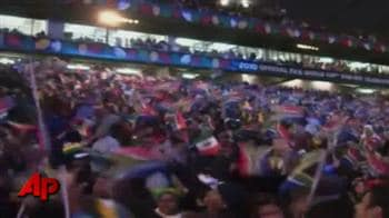 Video : Black Eyed Peas, Shakira rock World Cup