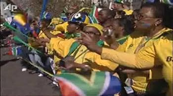 Video : Fans cheer South Africa's 'Bafana' football team