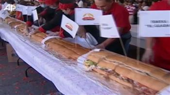 Video : World's biggest sandwich in Mexico