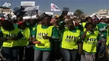 Video : Protest to raise AIDS awareness during World Cup