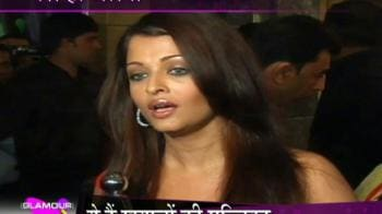 Video : Aishwarya outshines Priyanka Chopra