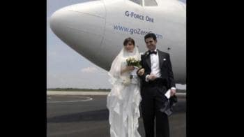 Video : Weightless wedding: Marriage at zero gravity