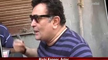 Video : Celebrity brigade leads by example