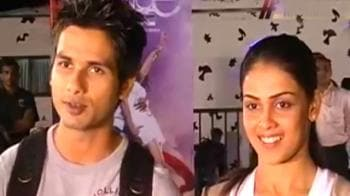 Video : Shahid, Genelia's night in a car