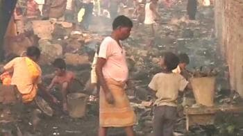 Video : One killed in slum fire in Delhi