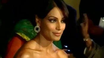 Video : Bollywood misses Big B at Filmfare