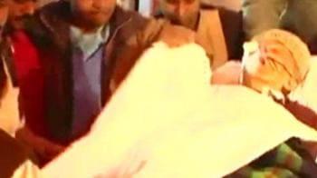 Video : Jyoti Basu's condition worsens