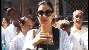 Video : Sushmita now officially Alicia's mom
