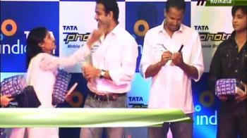 Video : Irfaan Pathan's Miss with a Kiss