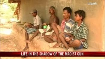 Video : Life in the shadow of the Maoist gun