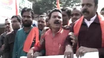 Video : Moral police on Bhopal streets