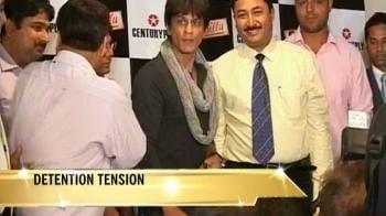 SRK returns to Mumbai