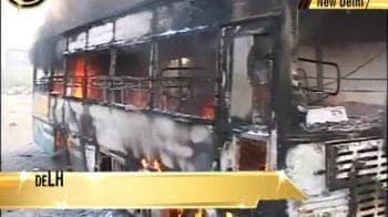 Video : Fire in Delhi school bus, children safe