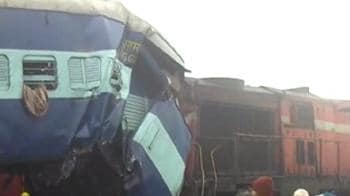 Video : Two trains collide in thick fog in Uttar Pradesh