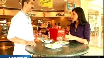 Video : Breakfast at a bakery