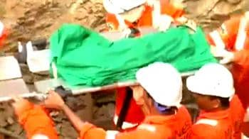 Video : Two-year-old dies in borewell accident