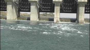 Video : Maheshwar dam: Work on despite ban