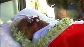 Videos : ज्योति बसु की अंतिम यात्रा...