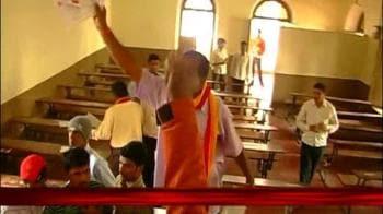 Video : Hooligans derail exam