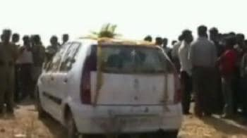 Video : Bride takes groom to task over dowry demand