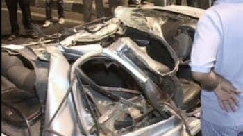 Video : Four killed in car crash near south Delhi mall