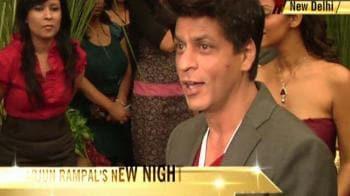 Video : SRK: In Arjun's 'Lap'