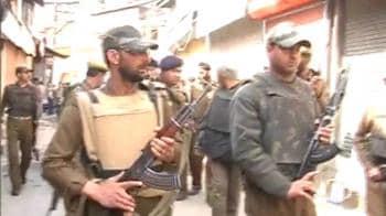 Video : Gunshots in busy Srinagar market
