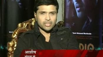 Video : Himesh's two voices unveiled