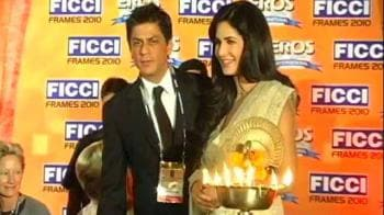 Video : Katrina's day out with SRK