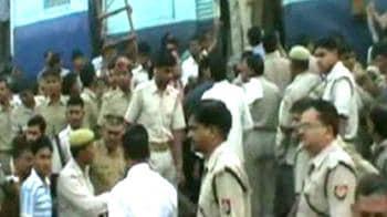 Video : Trains collide near Mathura