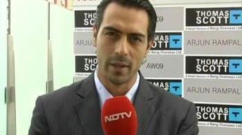 Videos : Arjun Rampal shoots for the camera