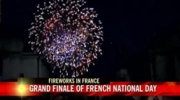 Video : Spectacular fireworks adorn the Grand Finale of Bastille Day