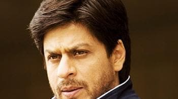 Video : After Sena threat, tight security at SRK's house