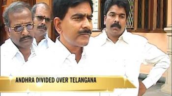 Video : Andhra crisis: More resignation threats over Telangana