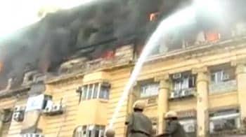 Video : Kolkata's Park Street inferno kills 10