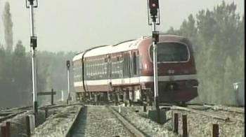 Video : On track: Train in Kashmir