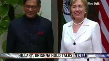 Video : Hillary, Krishna hold talks in Delhi
