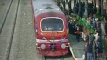 Video : First train comes to Kashmir Valley
