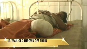 Video : 13-year-old thrown from Bihar train