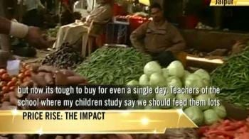 Video : Common man hit hard with soaring food prices