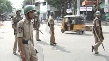 Video : Clash-hit Hyderabad tense; forces en route