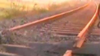 Video : Maoists blow up railway tracks for second day in a row