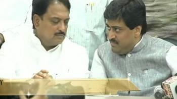 Video : Maharashtra: New govt but no deal yet