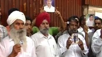 Video : 17 Indians on death row, families come together