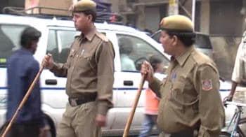 Video : After Pune blast, tight vigil at Delhi tourist hubs