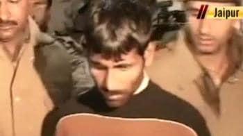 Video : Hussain's desperate bid to escape